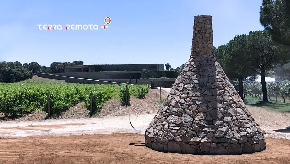 Entonnoir pierre sèche à Terra Remota